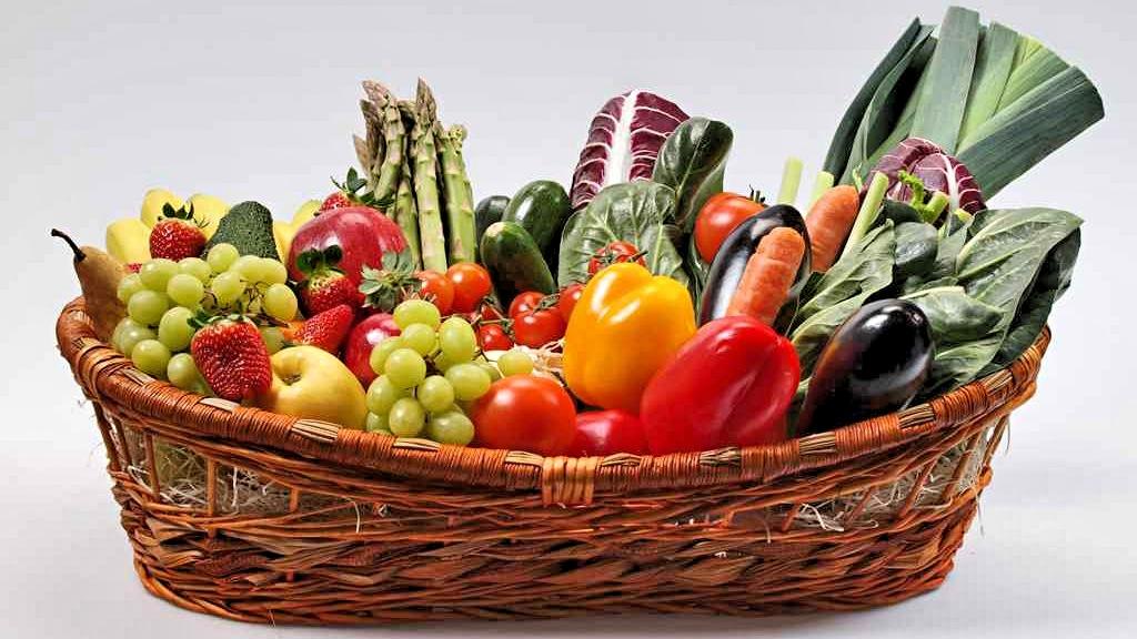 Calendario stagionalit frutta e verdura by paolo cavacece for Cesto di frutta disegno
