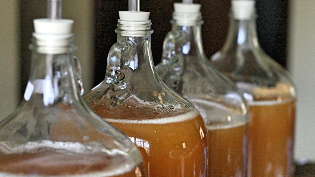 Aceto di Mele Artigianale Non Filtrato e Non Pastorizzato