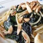 Spaghetti Integrali Cavolo Nero e Mandorle
