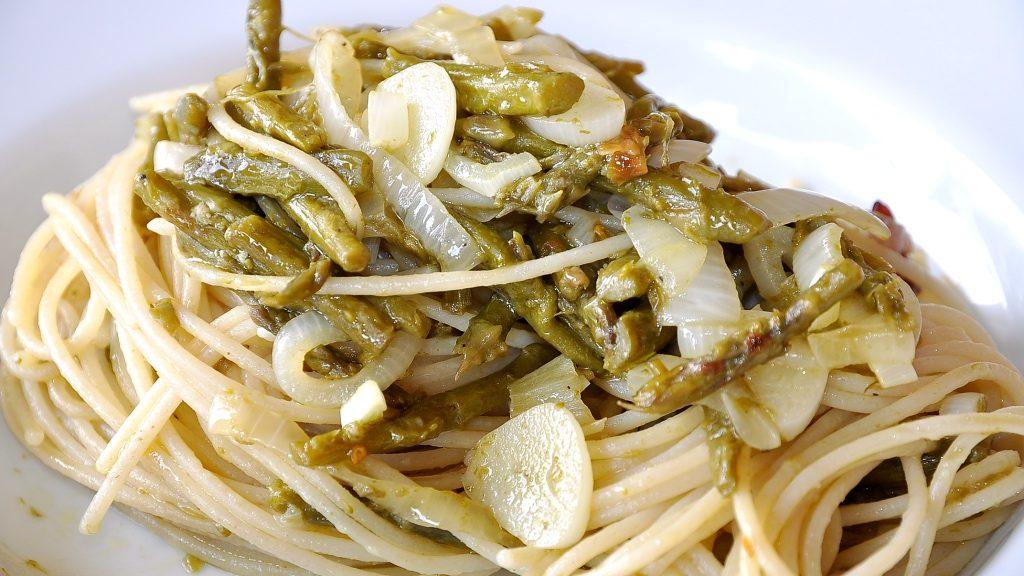 foto by Paolo Cavacece - Spaghetti di Riso con Asparagi e Cipollotto IGP di Tropea